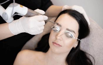 Permanente make-up verwijderen